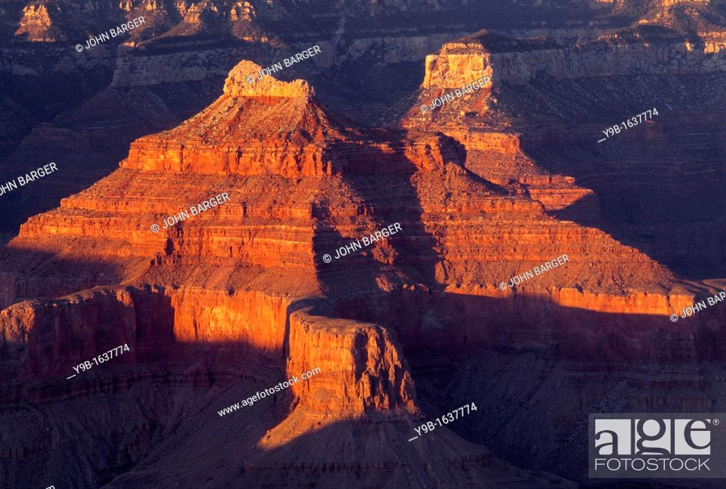 Stock Photo: Sandstone buttes redden at sunset, from Hopi Point, South Rim, Grand Canyon National Park, Arizona, USA.