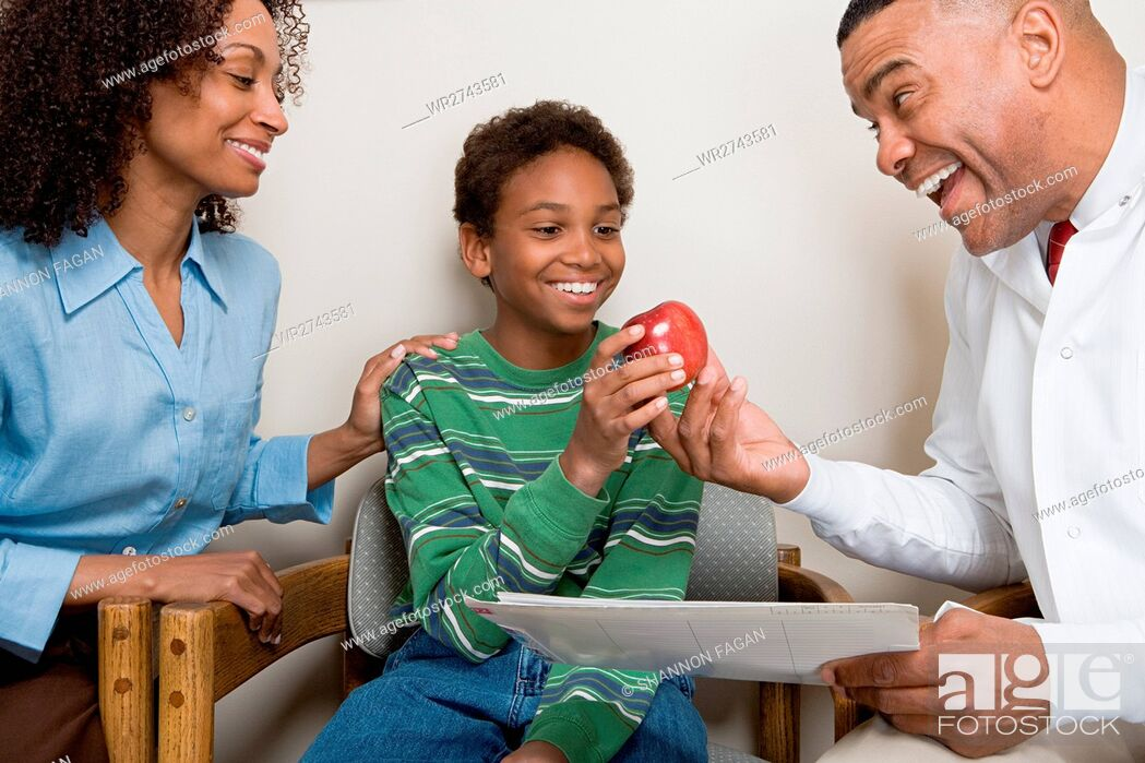 Imagen: Dentist with patient.