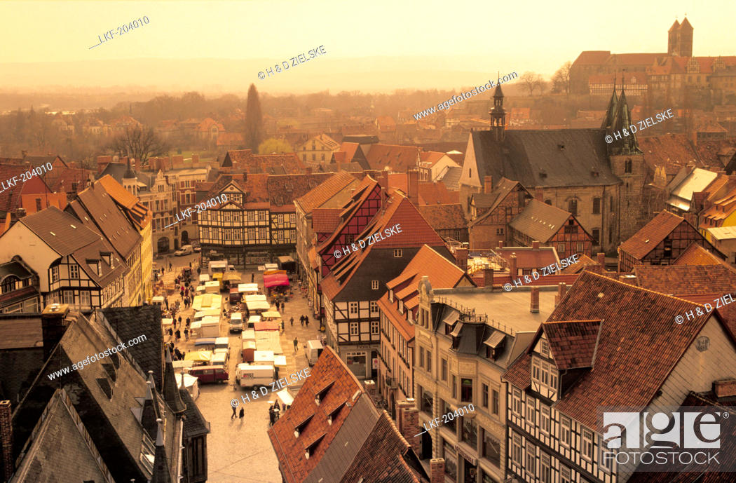 Stock Photo: Europe, Germany, Saxony-Anhalt, Quedlinburg, historic town centre with market square, in the background castle hill and the collegiate church of St.