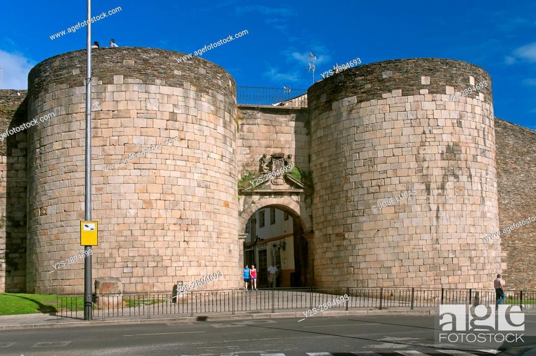 Stock Photo: Roman walls - San Pedro gate (18th century), Lugo, Region of Galicia, Spain, Europe.