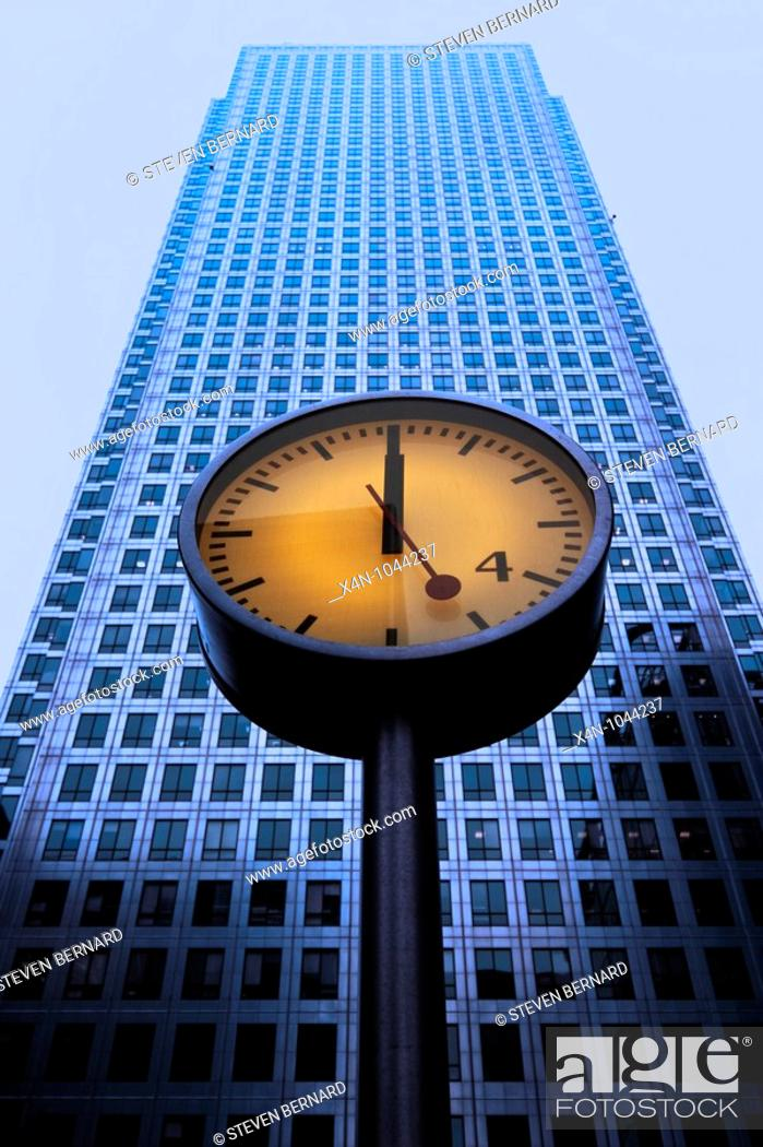 Stock Photo: One Canada Square building in the Canary Wharf complex.