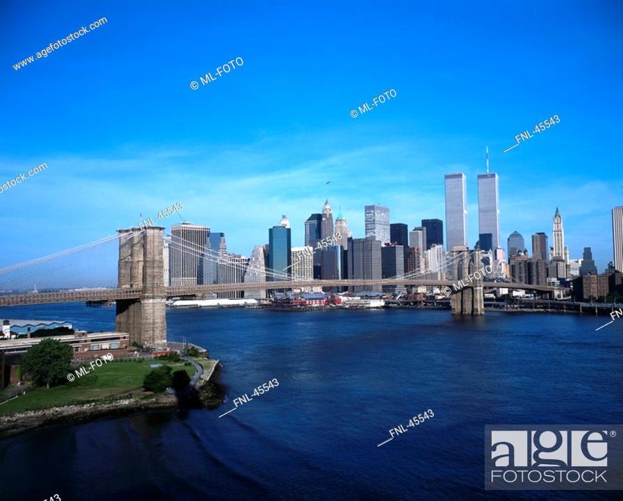 Stock Photo: Bridge with Manhattan city skyline in background, Brooklyn Bridge, New York City, New York State, USA.