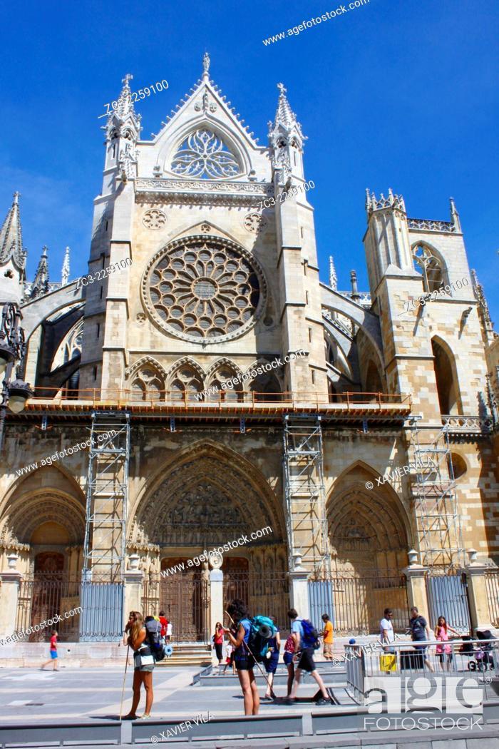 Stock Photo: Cathedral Santa Maria de Leon, city center of Leon, Castile and Leon, Spain.