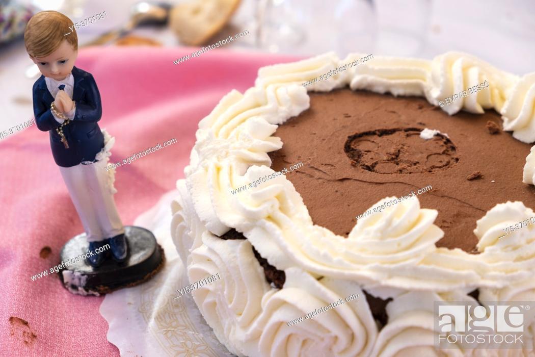 Stock Photo: Communion cake. València. Spain. 2020.