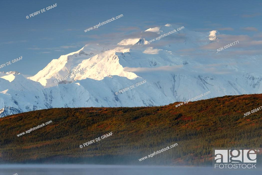Imagen: Denali, also known as Mount McKinley, its former official name, is North America's highest mountain at 20, 310 feet or 6, 190 meter, United States, Alaska.