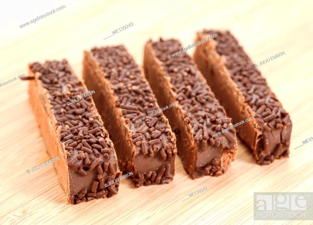 Photo de stock: nougat portions tablets.