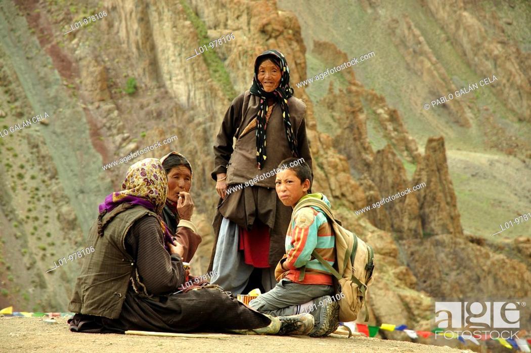 Stock Photo: Nómadas en la región de Stok, entre Mankarmo y Stock  Ladak India.