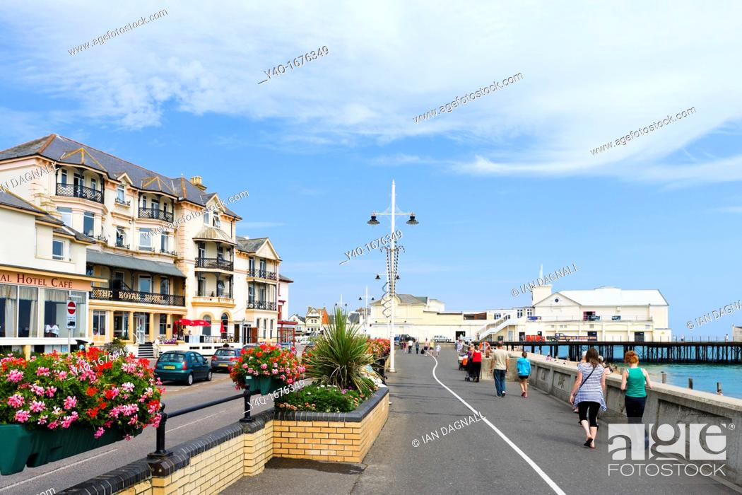 Stock Photo The Pier And Seafront Promenade With Royal Hotel To Left Bognor Regis West Sus England Uk