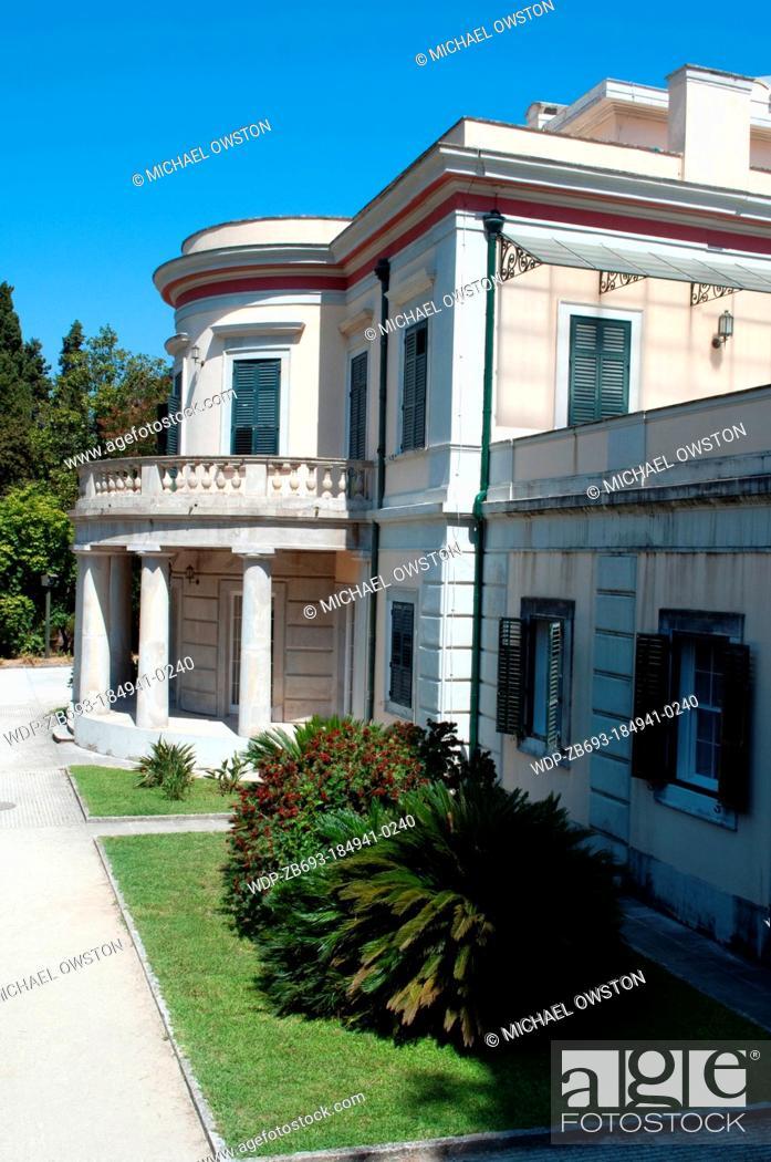 Imagen: Mon Repos villa Kanoni Kanoni Peninsula Corfu Greece.