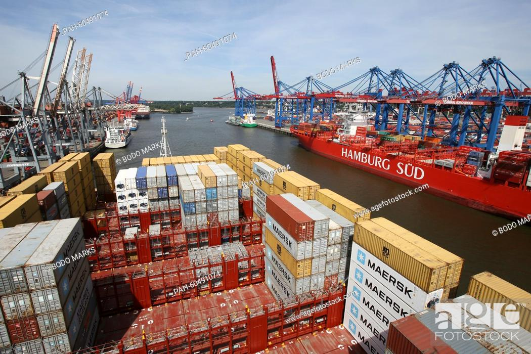 Numerous containers are pictured on the 'MSC Zoe' in Hamburg