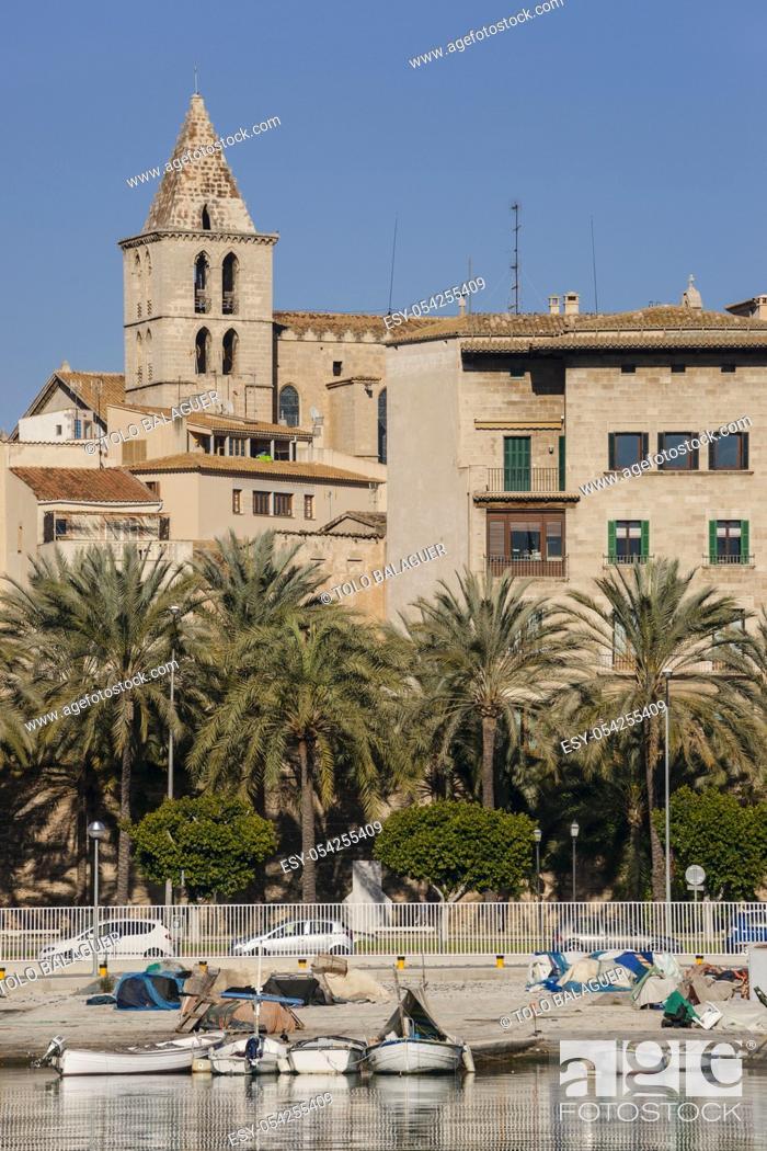 Stock Photo: iglesia parroquial de Santa Creu, fundada por Berenguer de Palou, obispo de Barcelona, en el siglo XIII. muelle de la Riba, Palma. Mallorca.