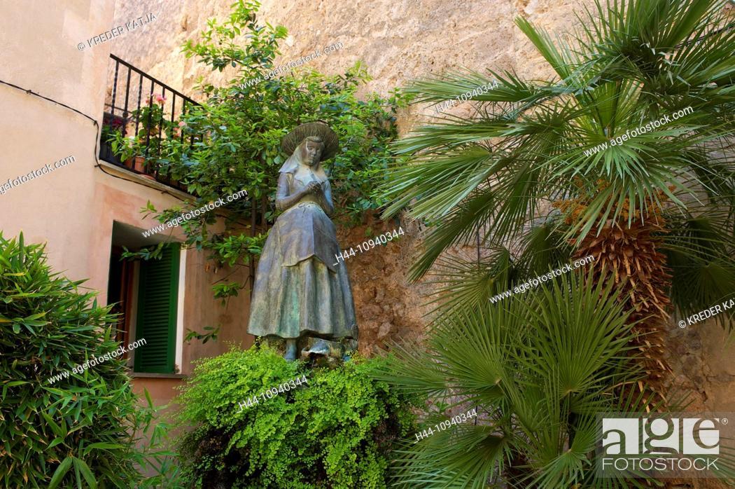 Stock Photo: Balearic Islands, Majorca, Mallorca, Spain, Europe, outside, statue, statues, sculpture, figure, figures, history, historical, culture, cultures, cultural, art.