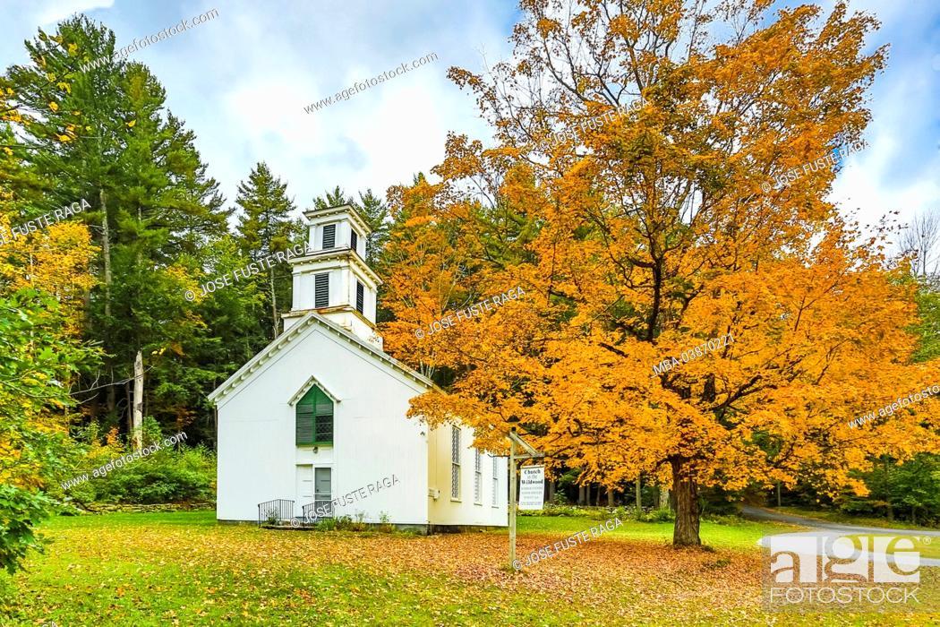 Stock Photo: USA, Massachusetts, Berckshire District, Near Lee City, Church.