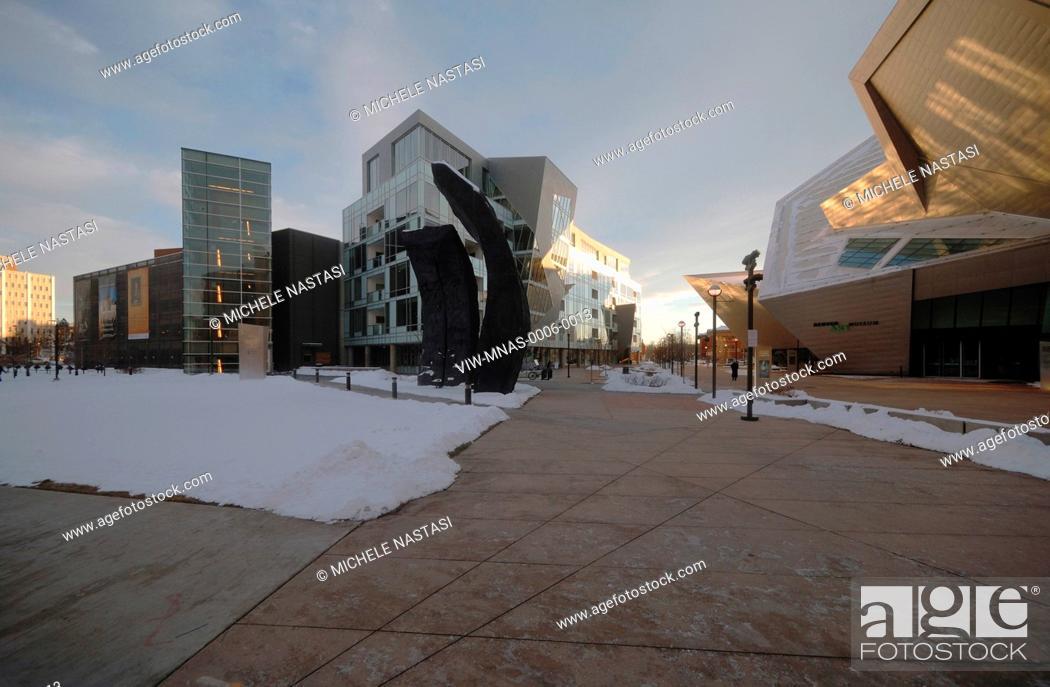 Photo de stock: Extension to the Denver Art Museum, Frederic C. Hamilton Building, Denver, United States. Architect: Daniel Libeskind, 2006.