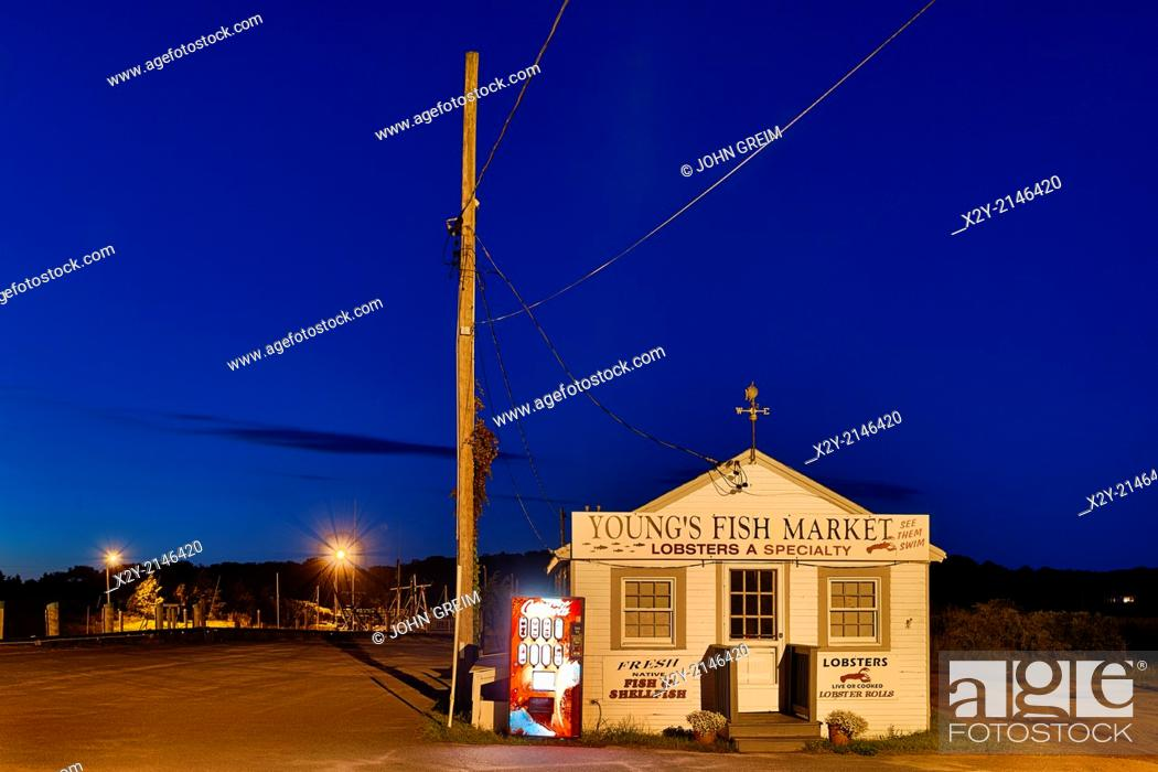 Stock Photo: Rustic seafood market at Rock Harbor, Orleans, Cape Cod, Massachusetts, USA.