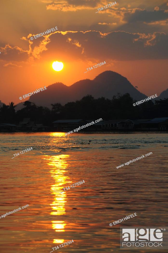 Stock Photo: Sunset at River Kwai in Kanchanaburi.