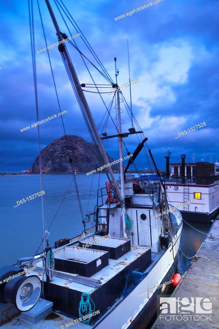 Stock Photo: USA, California, Southern California, Morro Bay, harbor, dawn.