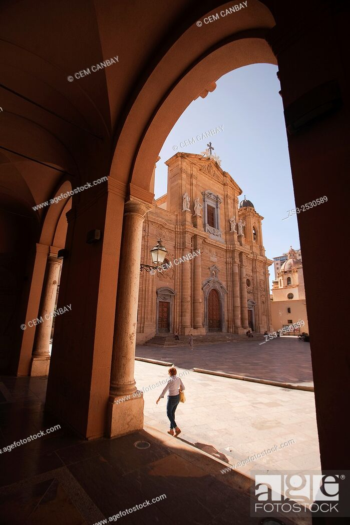 Stock Photo: Framed view to the Chiesa Madre-Mother Church, Marsala, Sicily, Italy, Europe.