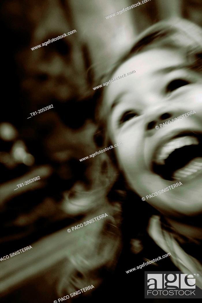 Imagen: Young girl smiling very happy.