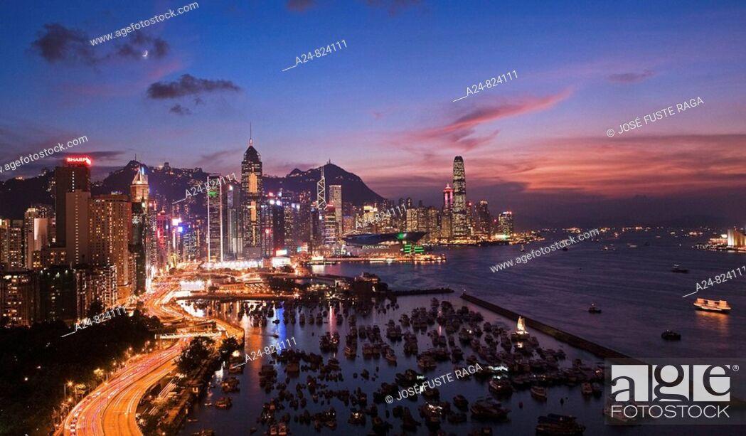 Stock Photo: Sunset at Hong Kong Island from Causeway, Hong Kong, China (November 2008).