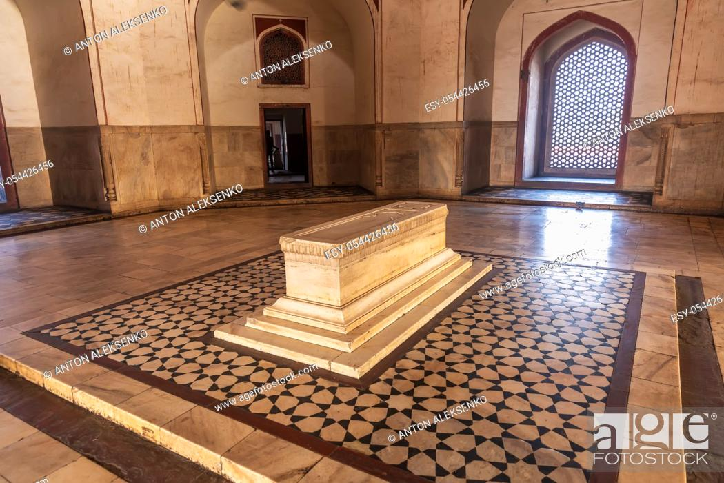 Stock Photo: Humayun's cenotaph in the Tomb Complex, India, New Delhi.