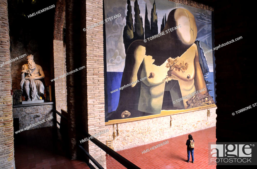 Stock Photo: Spain, Catalonia, Figueras, Dali's Theatre-Museum (Teatre-Museu Gala Salvador Dalí).