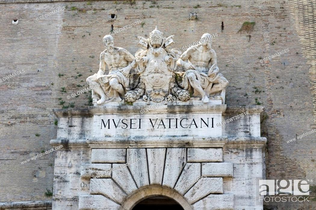 Stock Photo: Low angle view of statues on a museum, Vatican Museum, Rome, Italy.