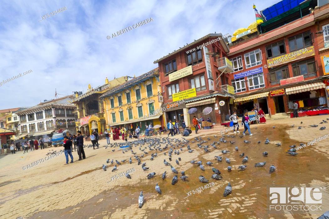 Imagen: Street Scene around Boudhanath Stupa, UNESCO World Heritage Siite, Kathmandu, Nepal, Asia.