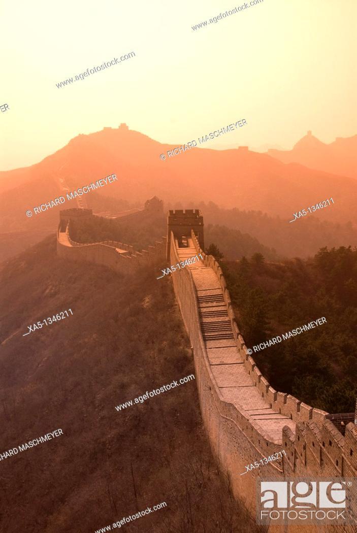 Stock Photo: The Great Wall, Jinshanling, China.