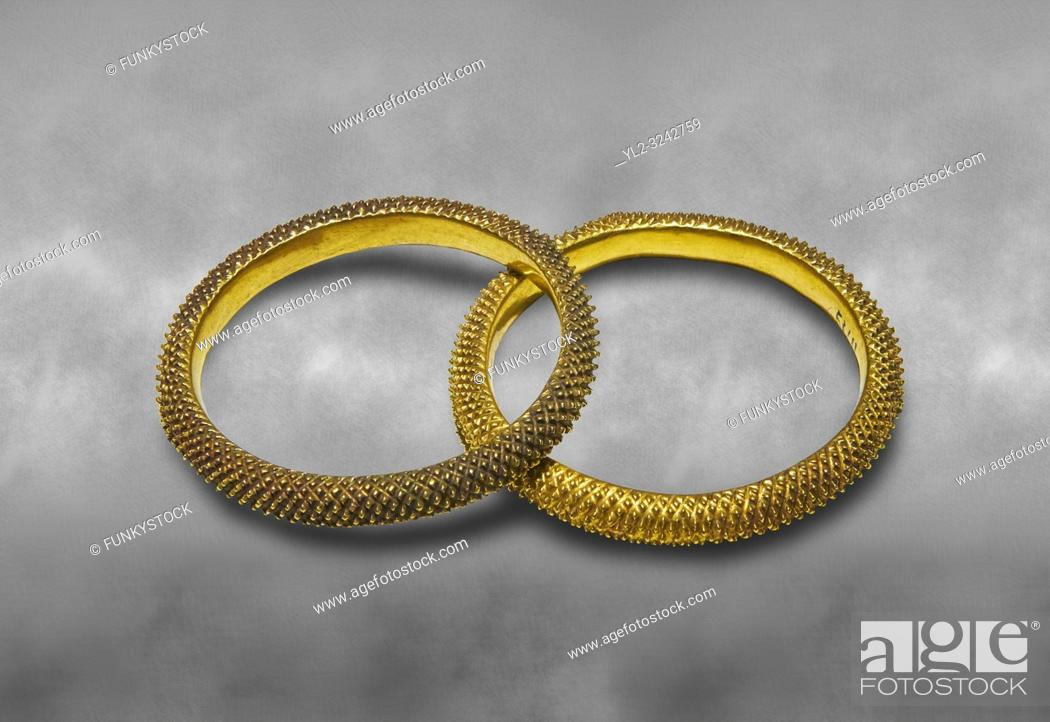 Photo de stock: Bronze Age Hattian gold bracelet from a possible Bronze Age Royal grave (2500 BC to 2250 BC) - Alacahoyuk - Museum of Anatolian Civilisations, Ankara, Turkey.