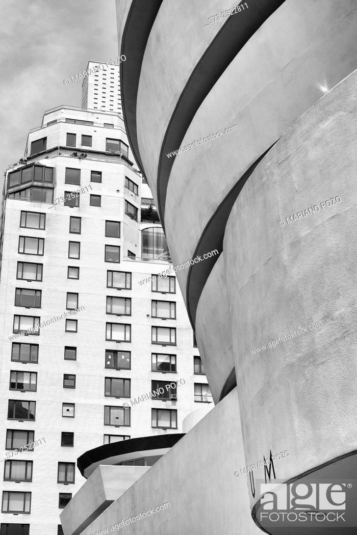 Stock Photo: Guggenheim Museum by architect Frank Lloyd Wright, Fifth Avenue, Manhattan, New York City, USA.
