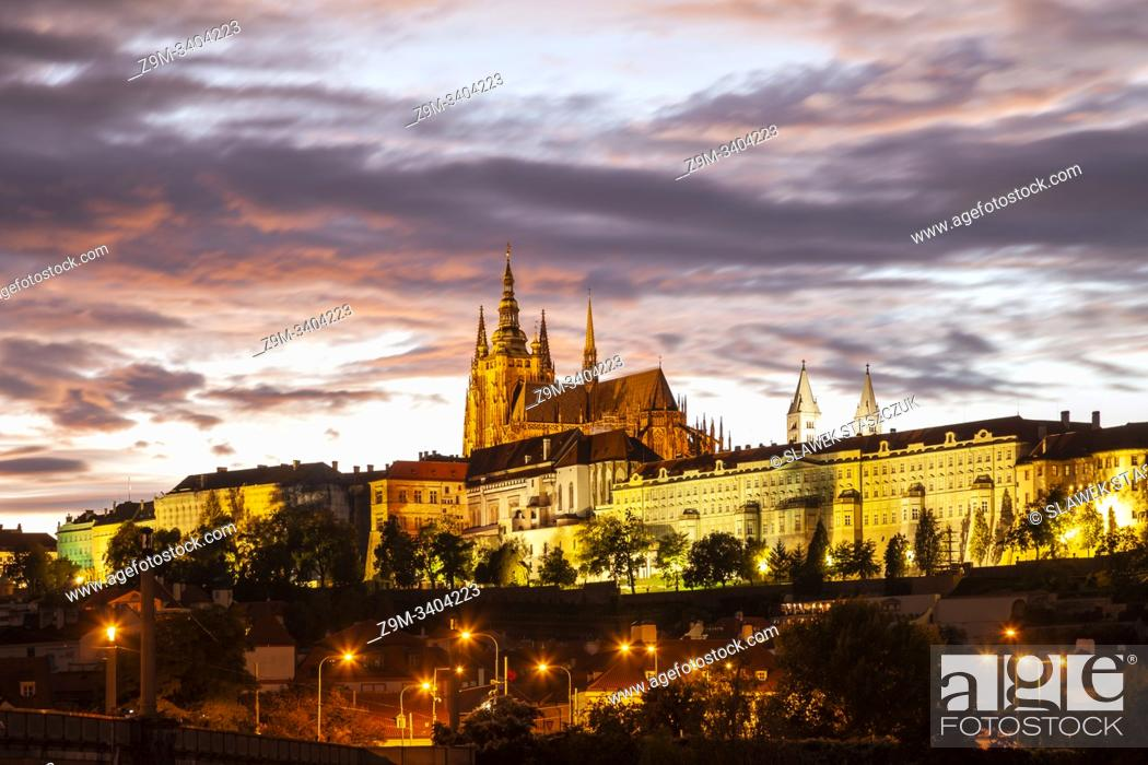 Stock Photo: Evening at Hradcany Castle in Prague.