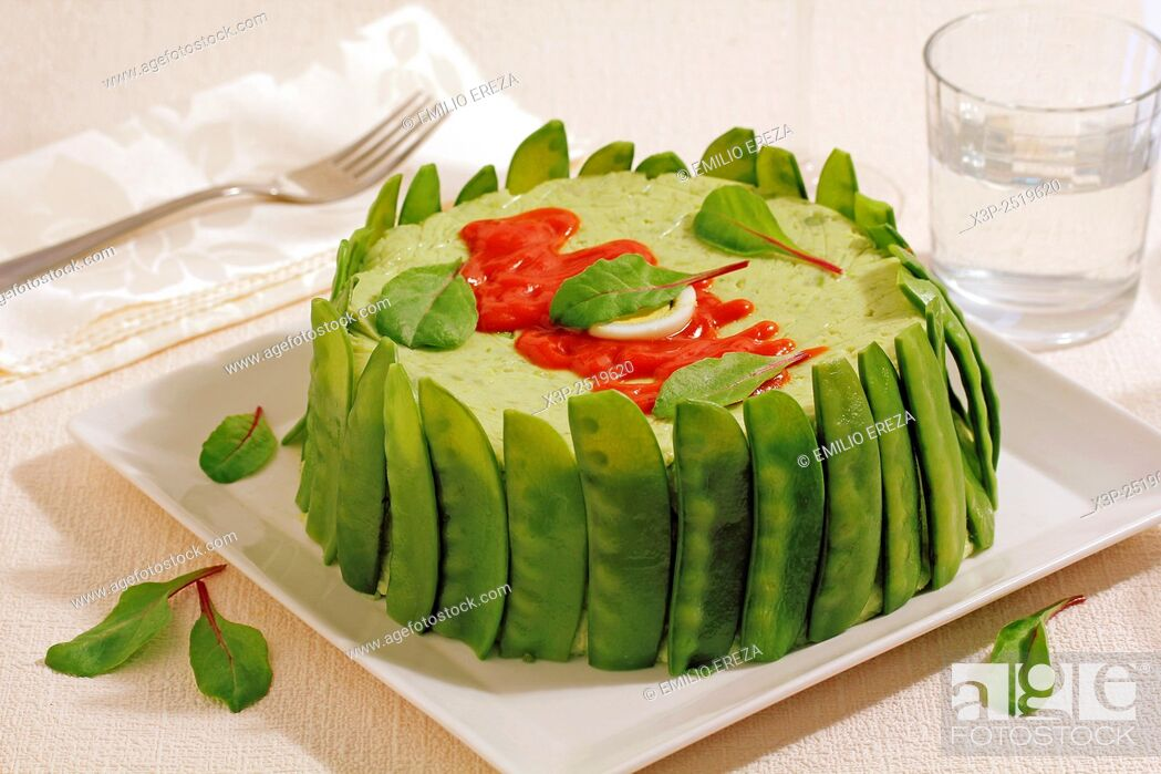 Stock Photo: Timbale with mangetout peas.