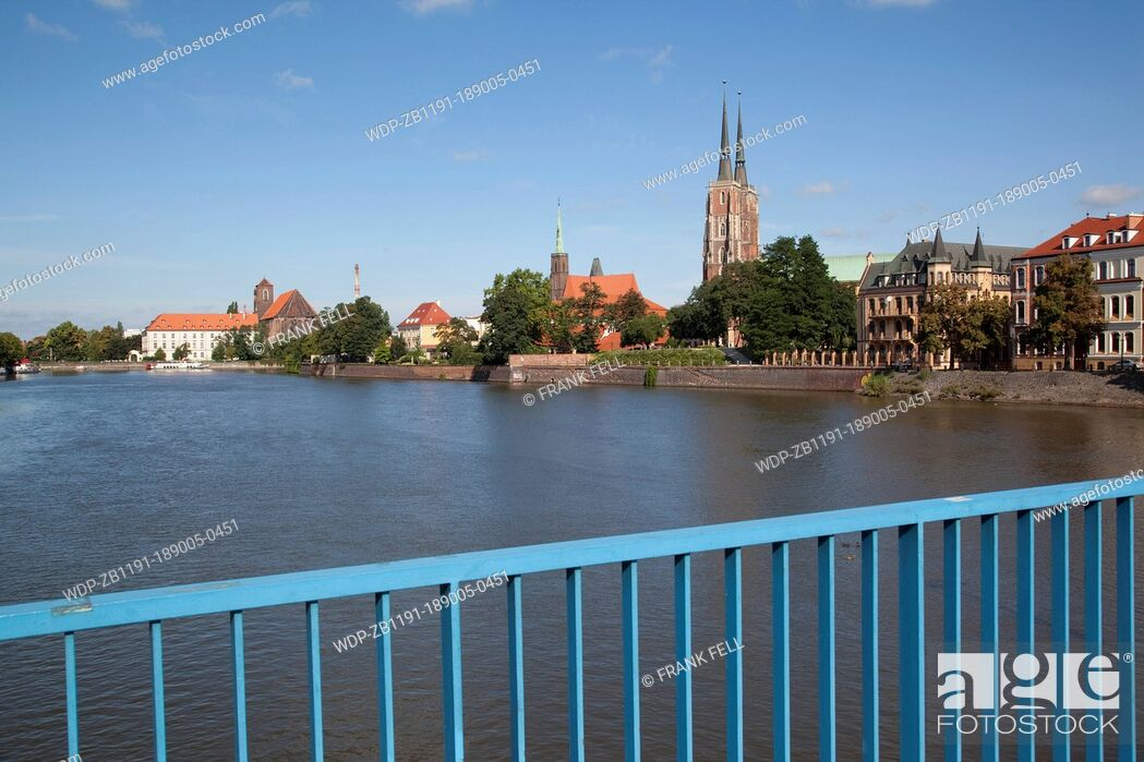 Imagen: Europe, Poland, Silesia, Wroclaw, Old Town, Cathedral & River Odra.