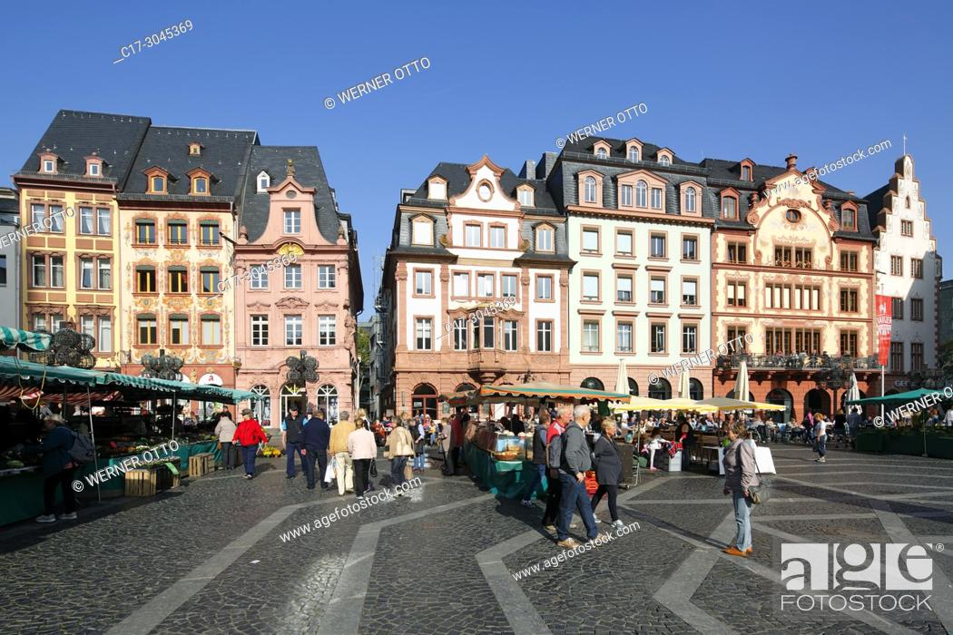 Stock Photo: Mainz, D-Mainz, Rhine, Rhine-Main district, Rhineland, Rhineland-Palatinate, weekly market at the market place, business houses and residential buildings.