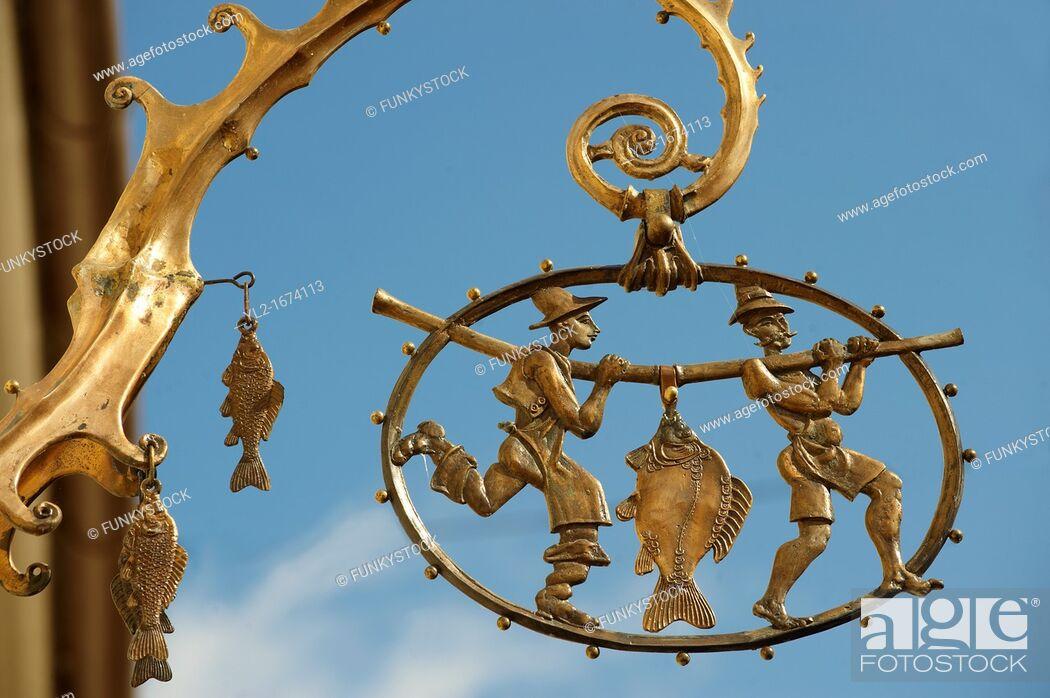 Imagen: Brass Shop signs -  Gyor  Gyor Hungary.