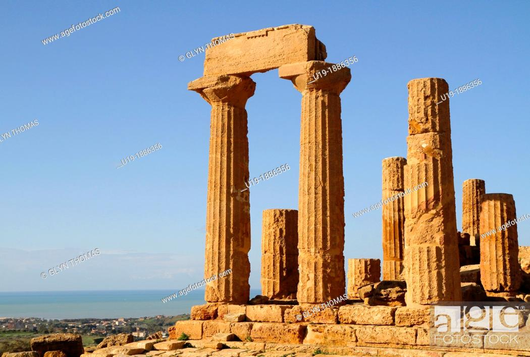 Stock Photo: Temple of Juno Hera, Valley of the Temples, Agrigento, Sicily, Italy.