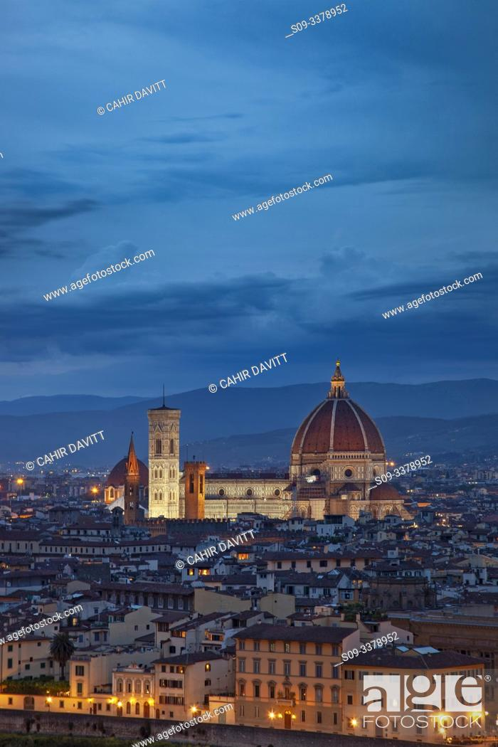Stock Photo: City panorama view of Florence at twilight viewed from Piazzale Michelangelo, San Niccolo, Badia A Ripoli, Firenze, Tuscany, Italy.