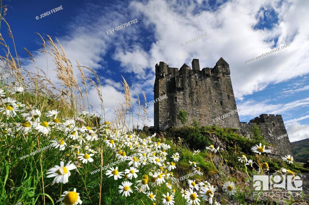 Stock Photo: Eilean Donan Castle, Dornie, Highlands, Scotland, United Kingdom, Europe.