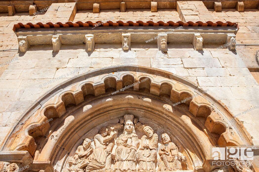 Imagen: San Pedro y San Pablo church in Gredilla de Sedano village, Paramos region, Burgos, Spain.