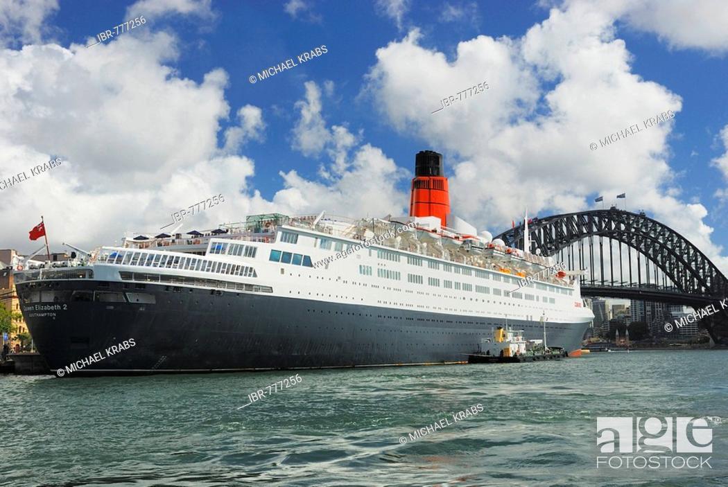 Stock Photo: Queen Elizabeth 2, QE2 luxury cruise liner, Harbour Bridge, Circular Quay, Sydney Cove, Sydney, New South Wales, Australia.