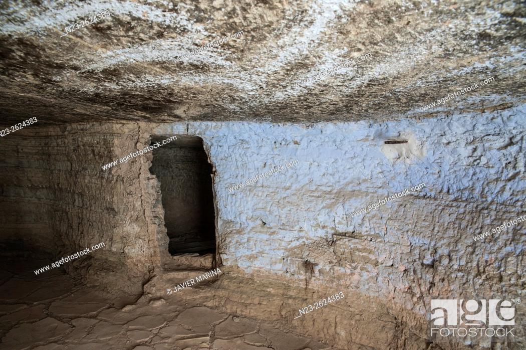 Stock Photo: Caves dug into the rock, Arguedas, Navarra, Spain.