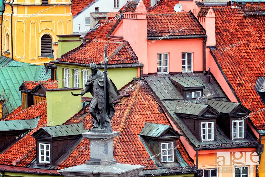 Stock Photo: Statue of King Sigismund III - Zygmunt III Waza, in background rooftops of Old Town townhouses, Plac Zamkowy - Castle Square, Old Town of Warsaw, UNESCO, Poland.