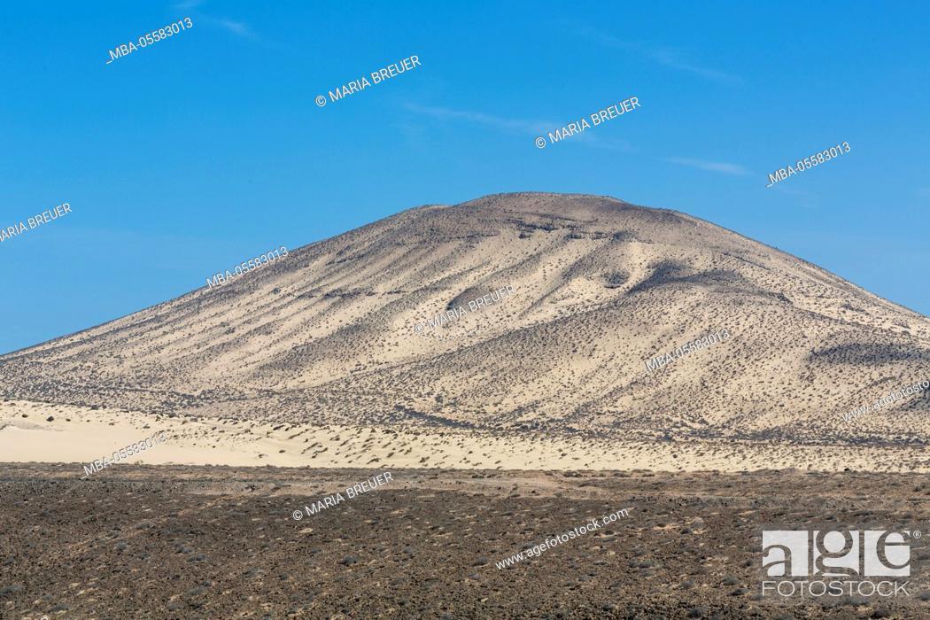 Stock Photo: View of El Paso, 253 m, Playa de Sotavento, Risco-del-Paso, Fuerteventura, Spain.
