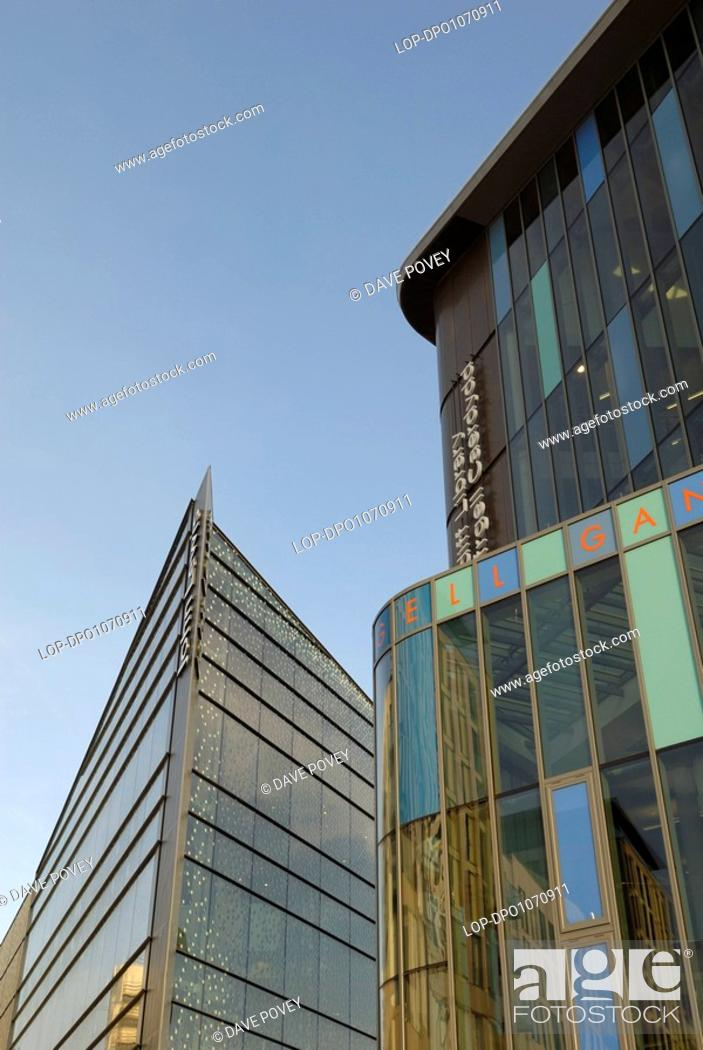 Stock Photo: Wales, Cardiff, Cardiff, The new John Lewis store and Central Library, part of the redevelopment of the old St David's shopping centre and the Hayes in Cardiff.