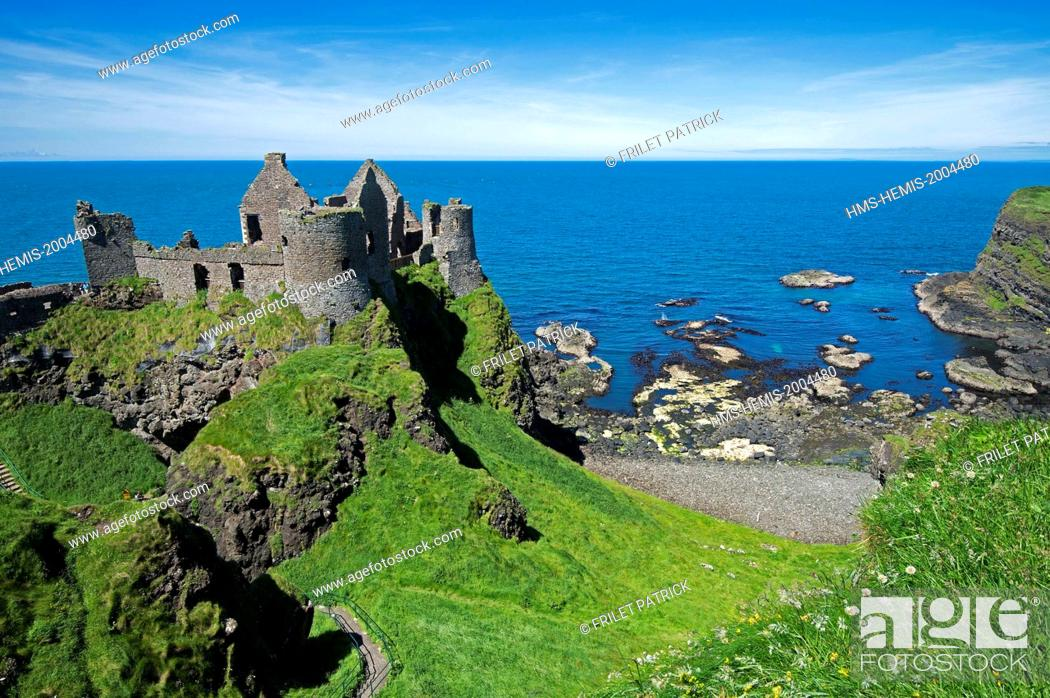 Stock Photo: United Kingdom, Northern Ireland, County Antrim, Bushmills, the 14th century castle of Dunluce.