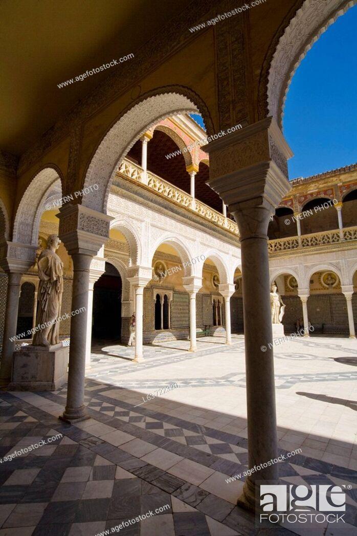Stock Photo: Main courtyard of Casa de Pilatos, Sevilla. Andalucia, Spain.
