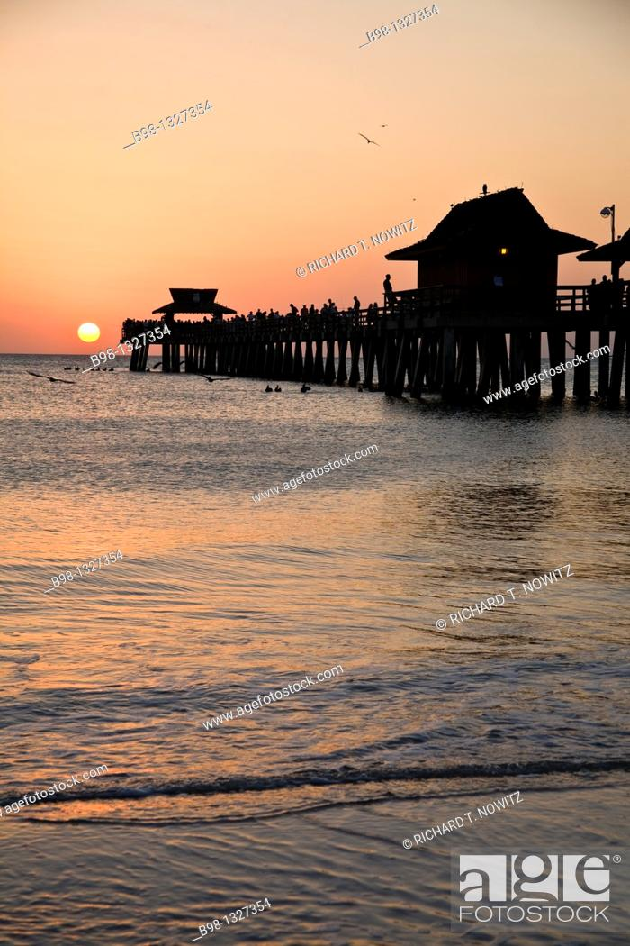 Stock Photo: Naples, Florida, Naples Pier at 25 12th  Ave  South and beach.