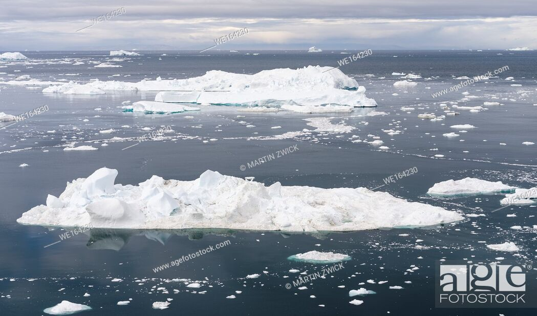 Stock Photo: Ilulissat Icefjord also called kangia or Ilulissat Kangerlua, view over Disko Bay. The icefjord is listed as UNESCO world heritage.