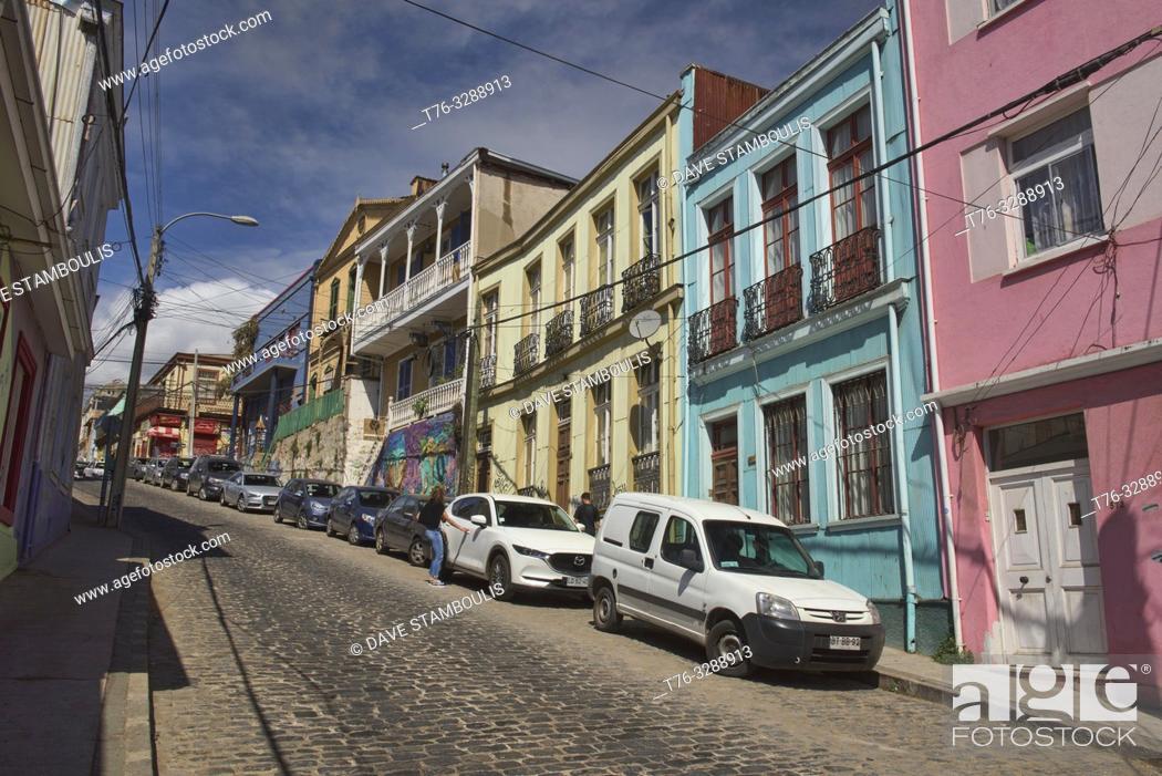 Photo de stock: Colorful architecture in UNESCO World Heritage Valparaiso, Chile.